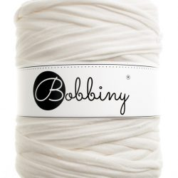 creamy-white bobbiny t-shirt yarn