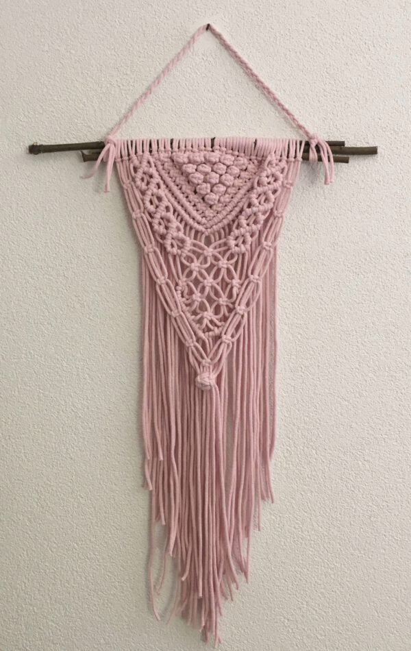 wandhanger macrame 40x70 ittedesigns roze